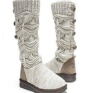 Nice boots u can fold it too